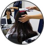 The Belgravia Center Hair Loss Clinic &quot;width =&quot; 149 &quot;height =&quot; 150 &quot;/&gt; Le Belgravia Center ---------------------- ------------ </h2> <p> <strong> Le Belgravia Center </strong> est le leader du traitement de la perte de cheveux au Royaume-Uni, avec deux cliniques basées au centre de Londres. Si vous vous inquiétez de la perte de cheveux, vous pouvez <strong> organiser une consultation gratuite </strong> avec un expert en perte de cheveux ou compléter notre formulaire de consultation en ligne <strong> </strong> de n&#39;importe où au Royaume-Uni ou dans le reste du monde. Consultez nos <strong> Histoires de succès sur la perte de cheveux </strong>qui constituent la plus grande collection de ces réussites dans le monde et démontrent les niveaux de réussite que bon nombre de patients de Belgravia atteignent. Vous pouvez également téléphoner <strong> 020 7730 6666 </strong> à tout moment pour notre ligne d&#39;aide à la perte de cheveux ou pour organiser une consultation gratuite. </p> <hr class=