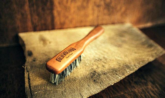 """brosse végétalienne à poils de sanglier pour les poils du visage """"width ="""" 640 """"height ="""" 380 """"srcset ="""" https://beardresource.com/wp-content/uploads/2018/10/vegan-boar-bristle-brush-for-facial 640w, https://beardresource.com/wp-content/uploads/2018/10/vegan-boar-boist-bristle-brush-for-facial-hair-300x178.jpg 300w """"tailles ="""" (largeur maximale : 640px) 100vw, 640px"""