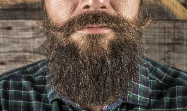"homme avec une barbe épaisse ""width ="" 640 ""height ="" 380 ""srcset ="" https://coiffure-romanyck.fr/wp-content/uploads/2019/02/man-with-thick-full-beard.jpg 640w, https://beardresource.com/wp-content/uploads/2016/06/man-with-thick-full-beard-300x178.jpg 300w ""tailles ="" (largeur maximale: 640 pixels), 100vw, 640 pixels"