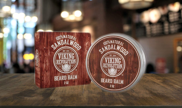 "Baume de barbe en bois de santal révolution ""width ="" 640 ""height ="" 380 ""srcset ="" https://coiffure-romanyck.fr/wp-content/uploads/2019/03/Viking-revolution-sandalwood-beard-balm.jpg 640w, https://beardresource.com/wp-content/uploads/2018/11/Viking-revolution-sandalwood-beard-balm-300x178.jpg 300w ""tailles ="" (largeur maximale: 640px) 100vw, 640px"