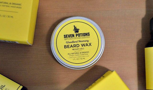 "étain de cire à coiffer ""width ="" 640 ""height ="" 380 ""srcset ="" https://coiffure-romanyck.fr/wp-content/uploads/2019/04/tin-of-beard-styling-wax.jpg 640w, https://beardresource.com/wp-content/uploads/2018/11/tin-of-beard-styling-wax-300x178.jpg 300w ""tailles ="" (largeur maximale: 640 pixels), 100vw, 640 pixels"