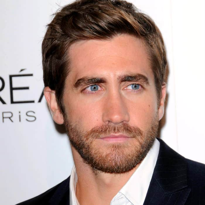 Jake Gyllenhaal style barbe courte en boîte