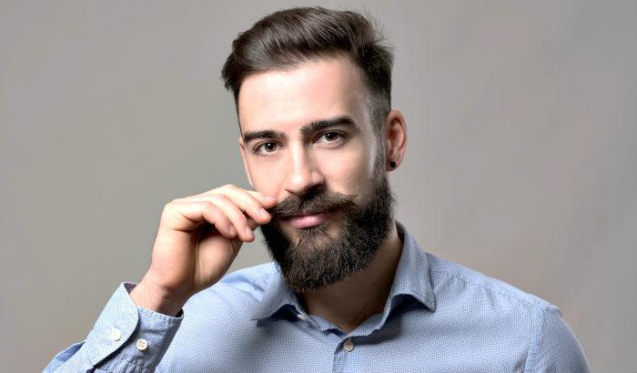 petite moustache hongroise